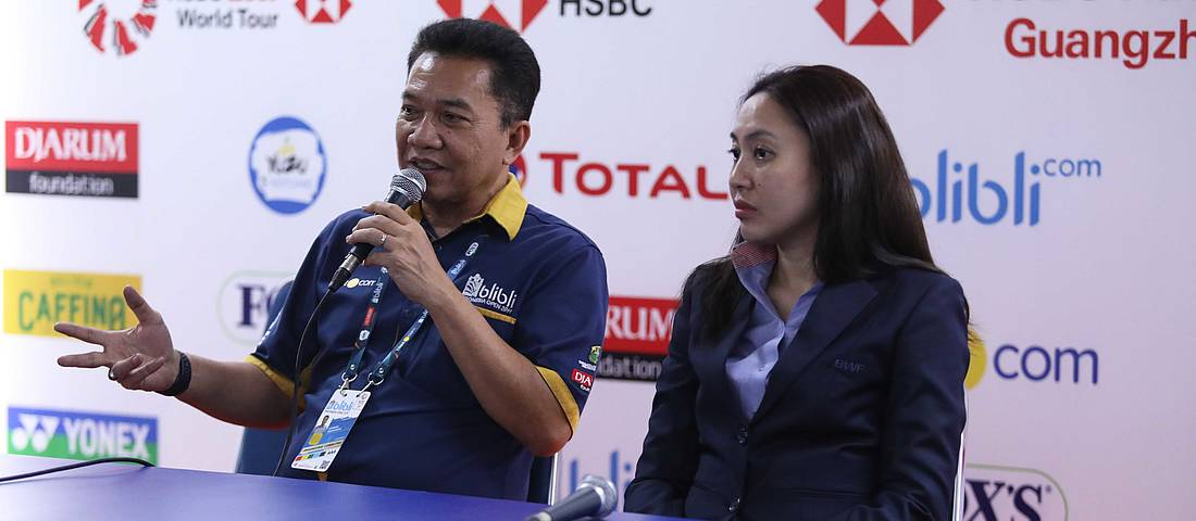 Achmad Budiharto (left), the chief project officer of Blibli Indonesia Open 2019 and the Head of Event Project BWF, Koh Wa Cheng. (PIC: PBSI)