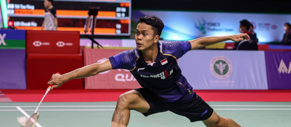 Tunggal putra Indonesia, Anthony Sinisuka Ginting mengembalikan shuttlecock. (Copyright: Badmintonphoto | Courtesy of BWF)